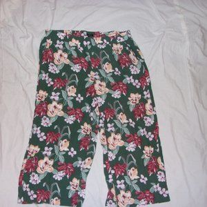 LOFT Green Floral Capri Pants XL